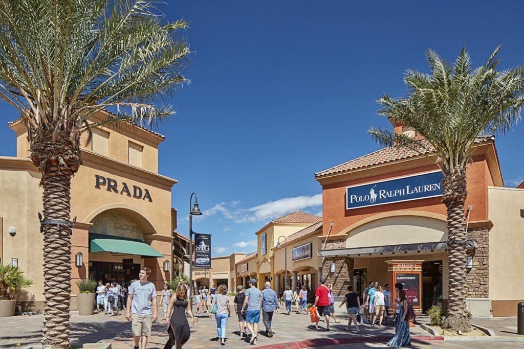 Desert Hills Premium Outlets سوق