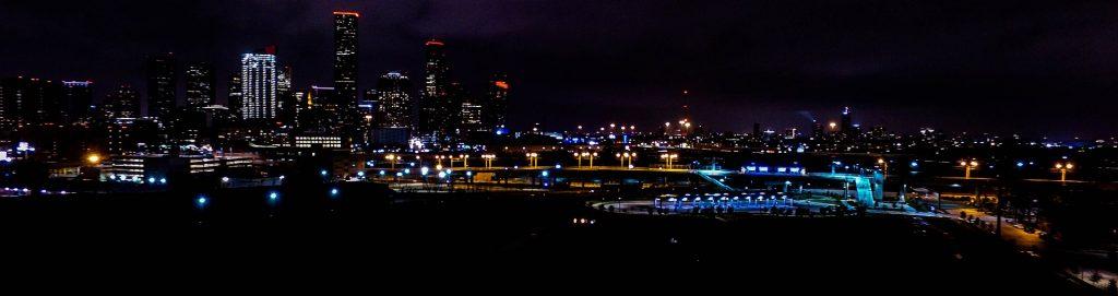 مدينة هيوستن في الليل
