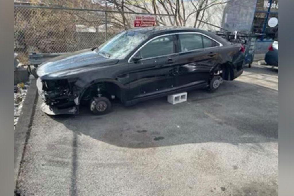 سرقة سيارة شرطة في نيويورك: تخريب السيارة بعد إزالة النمرة في برونكس!