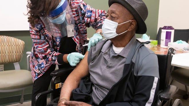 السلالات الجديدة للفيروس تنتشر في أمريكا، ويقول العلماء يجب التعامل معها بحذر!