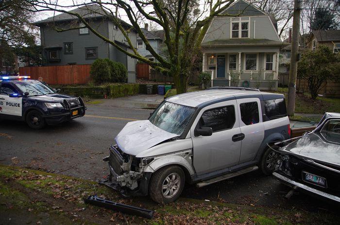السائق يقتل شخصاً ويصيب 5 آخرين حسب تقرير الشرطة في ولاية أوريغون!