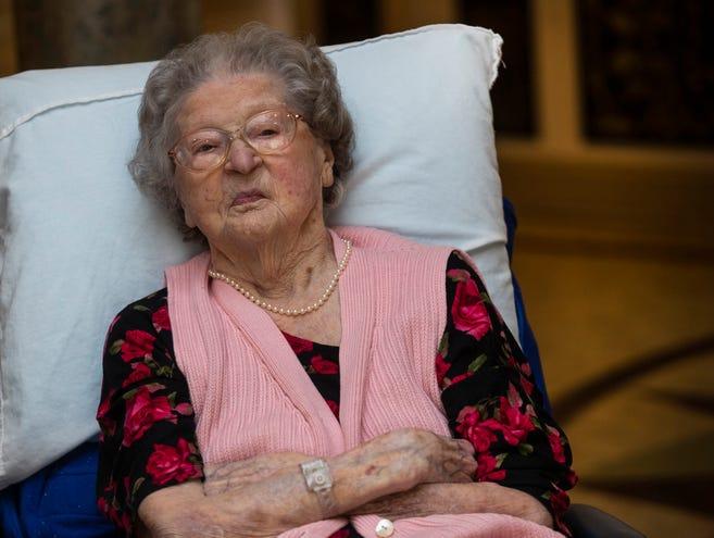 تغلبت امرأة من نيوجيرسي على كوفيد-19، والتي بلغت عامها 110