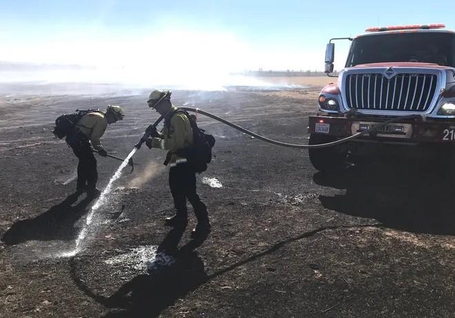 حريق غابات في ولاية كاليفورنيا نذير شؤم لعام 2021