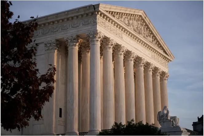 المحكمة العليا - تطبيق بعض قواعد كاليفورنيا الخاصة بـكوفيد-19 للكنائس