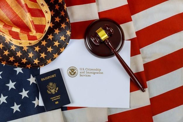 تتضمن أنواع تأشيرات الهجرة إلى أمريكا من الكويت تأشيرة الهجرة لجمع شمل الأسرة، تأشيرة الهجرة للخطيب / الخطيبة، وتأشيرة الهجرة على أساس عمل