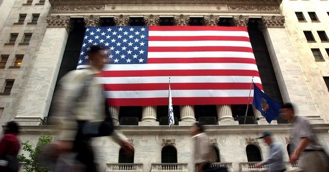 توافق الولايات المتحدة الأمريكية على 140.000 تأشيرة هجرة على أساس العمل فى كل سنة مالية