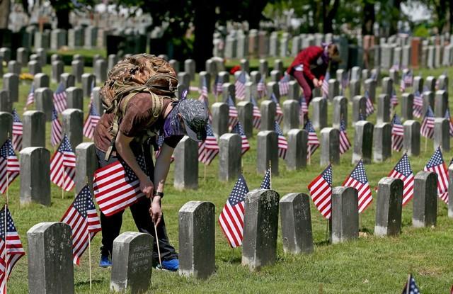 يُعد يوم الذكرى يوم إجازة فيدرالية في أمريكا ويُحتفل به في شهر مايو من كل عام