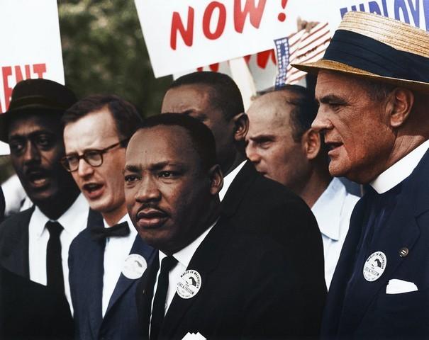 يُعد عيد ميلاد مارتن لوثر كينج من أيام الإجازات الرسمية في أمريكا