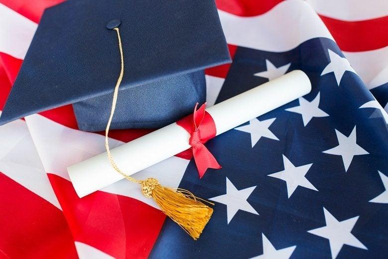 المنح الدراسية المجانية في أمريكا