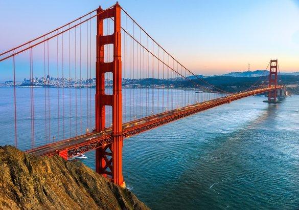 عبور جسر البوابة الذهبية