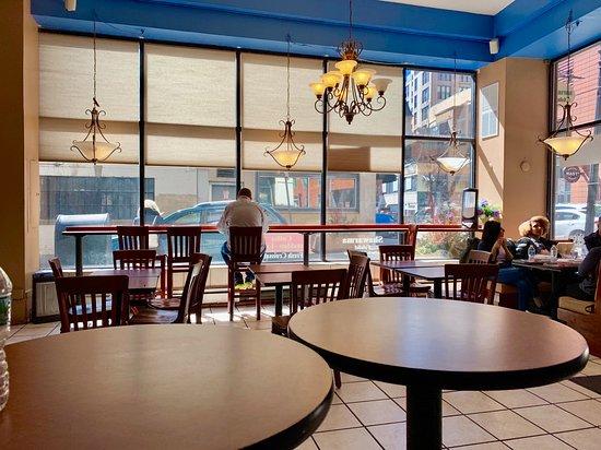 مطعم مطعم شاورما فلافل
