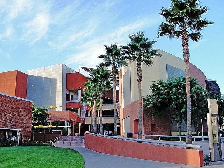 الدراسة في جامعات لوس أنجلوس