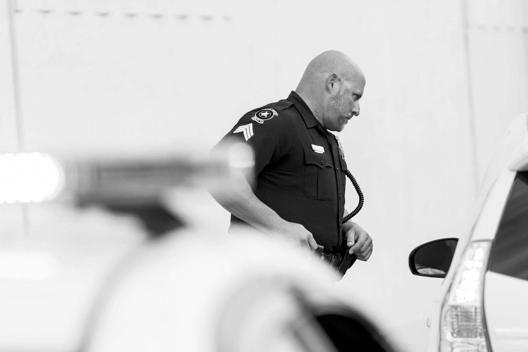 الشرطة الامريكية - ماذا تفعل إذا تم ايقافك في مكان عام