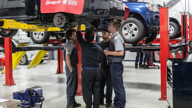 أفضل برامج ميكانيكا السيارات في امريكا