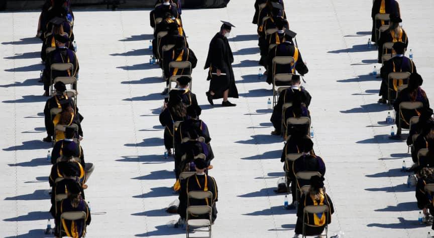 التعليم الجامعي في امريكا وعلاقته بالتوظيف