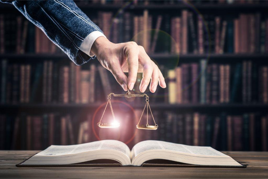كيف تختار كلية الحقوق المناسبة لك في أمريكا - تقييم 2021
