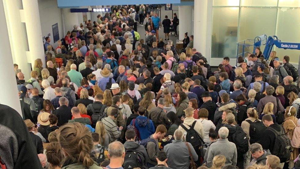 المطارات الامريكية: 5 نصائح لتجنب الازدحام