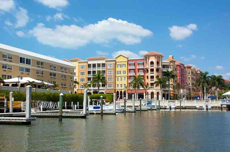 عطلة سياحة في فلوريدا .. ما هي أفضل المنازل التي يمكن تأجيرها