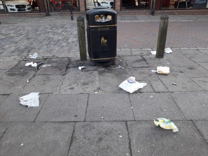 القاء القمامة في الشوارع الامريكية: غرامات ضخمة والحبس احيانا