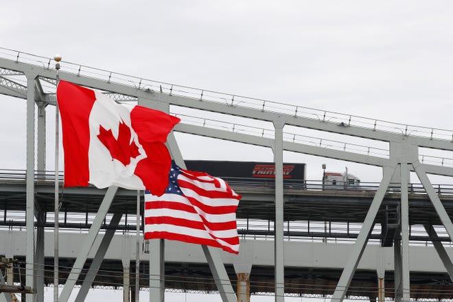 فتح الحدود الكندية للأمريكيين للحاصلين على لقاح كوفيد 19