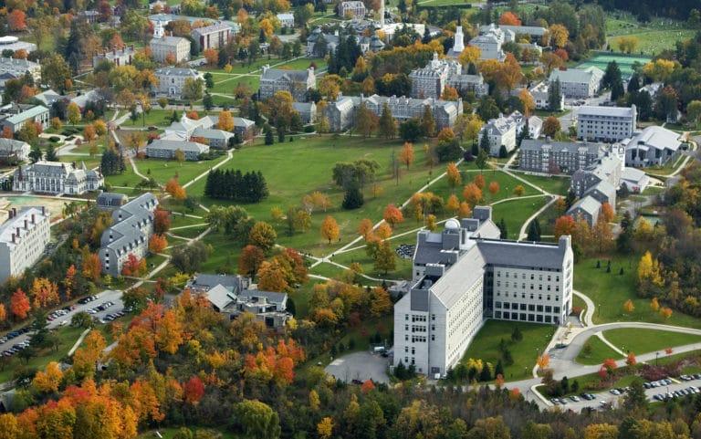 5 من أفضل الكليات الأمريكية لدراسة لغة أجنبية