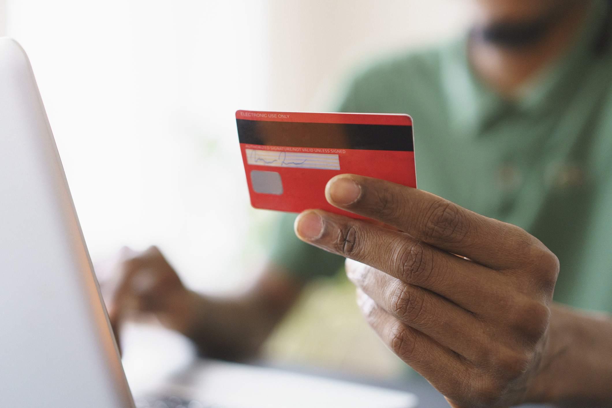 كيف تحصل على بطاقة ائتمان في امريكا