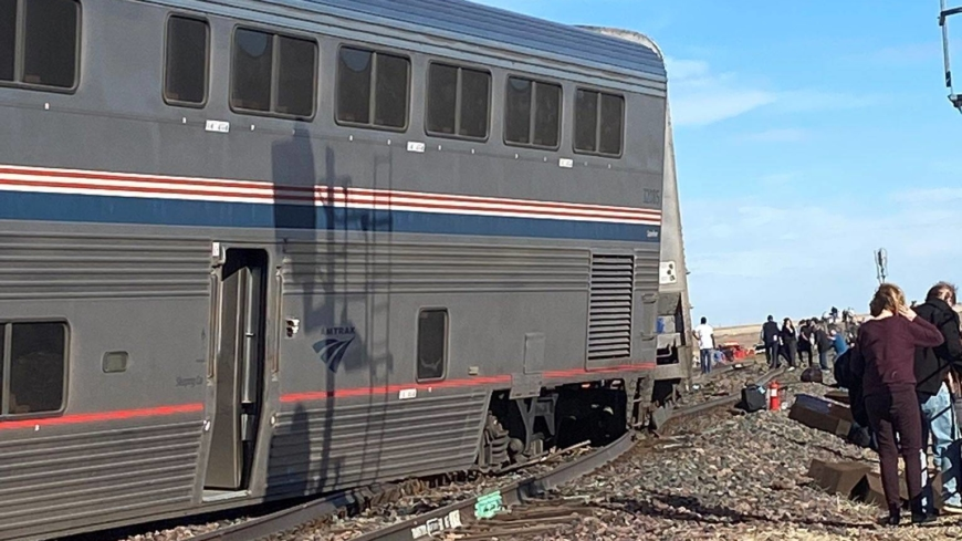 ولاية مونتانا الأمريكية تشهد 3 قتلى ومصابين بعد خروج قطار أمتراك عن القضبان