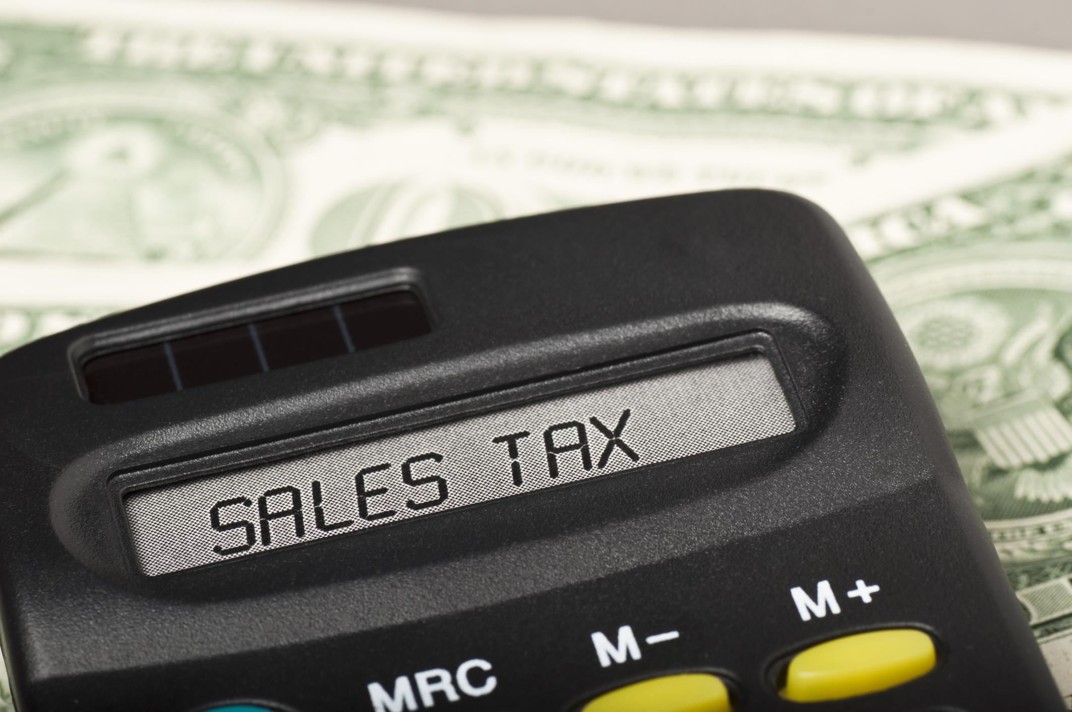 هل يوجد ضرائب مبيعات على السلع والخدمات في امريكا