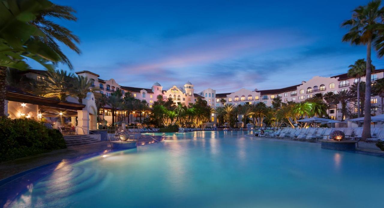 كيف تحجز في أفضل فنادق Disney World