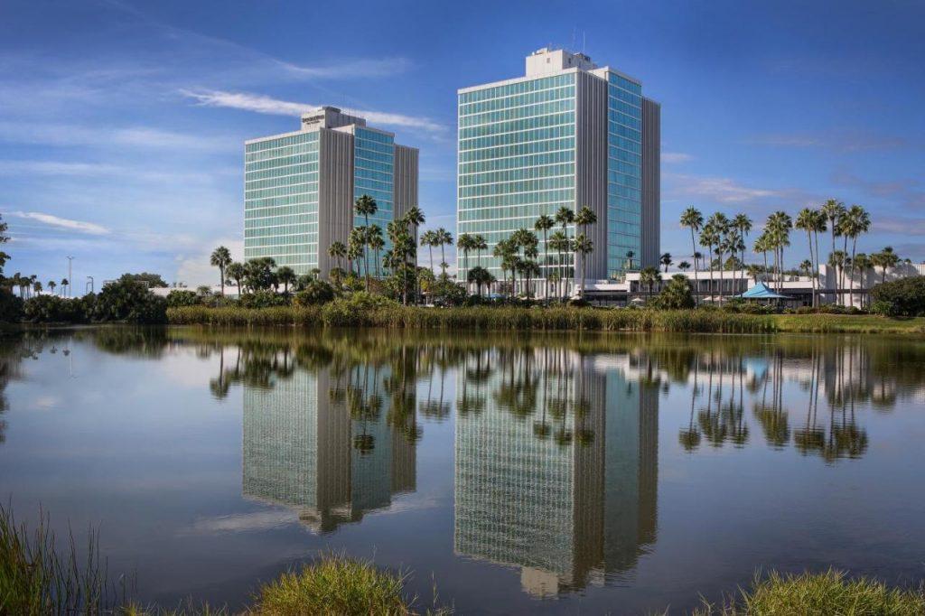 كيف تحجز في أفضل فنادق Disney World 2022