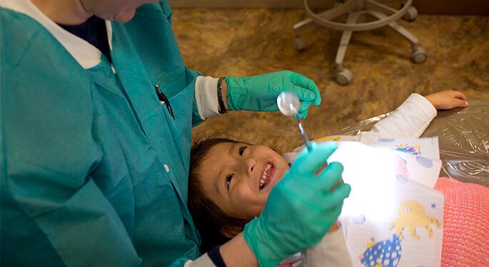 أفضل عيادات الاسنان في امريكا لعام 2021