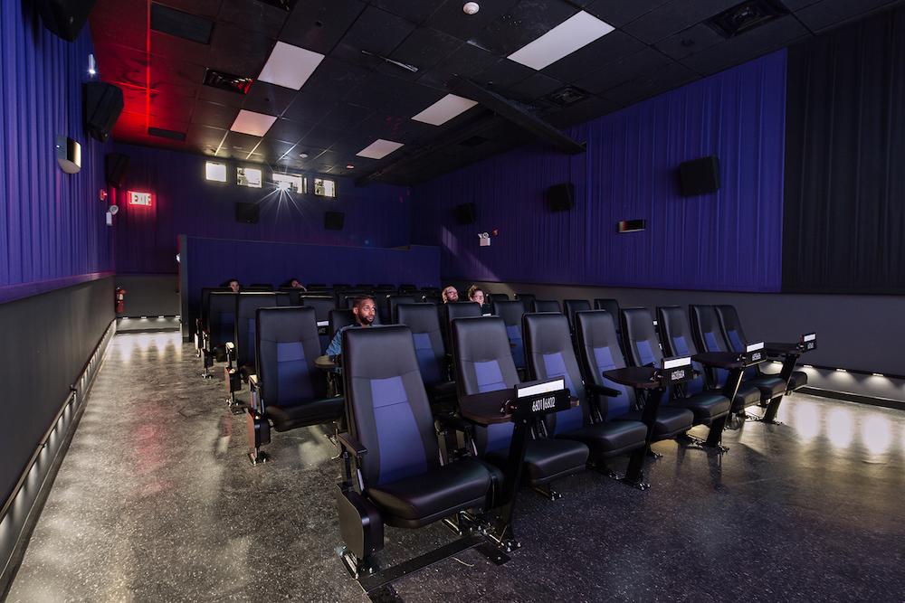 أفضل دور السينما في نيويورك 2021