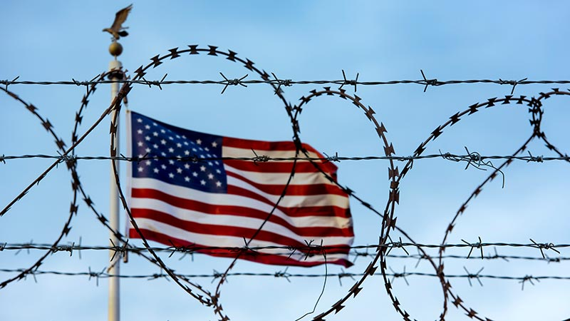 طلب اللجوء في الولايات المتحدة: 8 شروط رئيسية تعرّف عليها