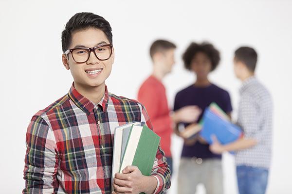 العام الدراسي في الجامعات الأمريكية - المواعيد ونهج الدراسة في موسم 2021 - 2022