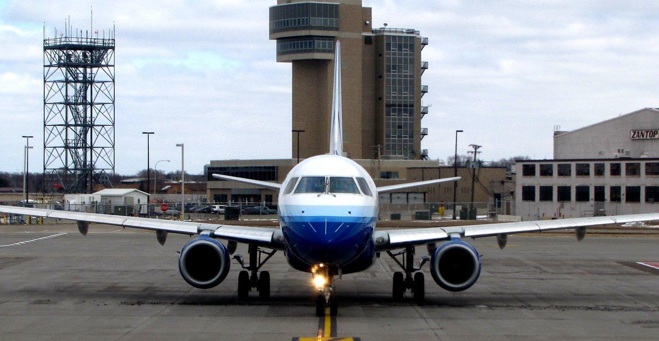 أفضل 10 مطارات أمريكية للرحلات المحلية الرخيصة